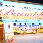 Sr. Vikramjit Singh Sahney addressing the guests on the occasion of Baisakhi