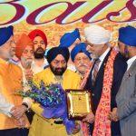 Sr. Vikramjit Singh Sahney, Padma Shri & WPO Office Bearers honouring Justice J.S. Khehar ji with Punjabi Rattan Award at WPO Gala Baisakhi Night. Also seen Sr. Hardeep Singh Puri,  Honble Minister of State (IC) for Housing and Urban Affairs